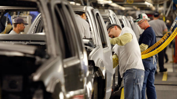 gty_auto_workers_jp_111202_wmain