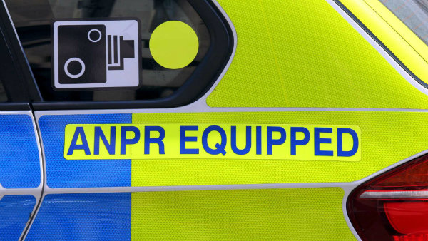 london-police-suv-equipped-with-automatic-number-plate-recognition