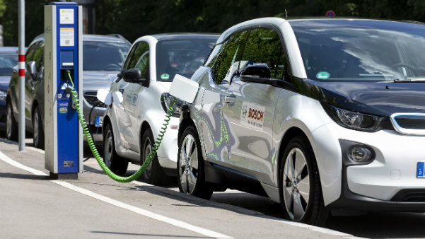 Bosch is connecting batteries to the internet to help EVs go the extra (1)