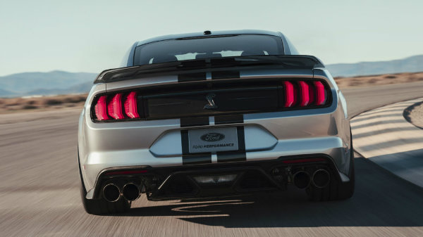 2020-ford-mustang-shelby-gt500-1 (7)