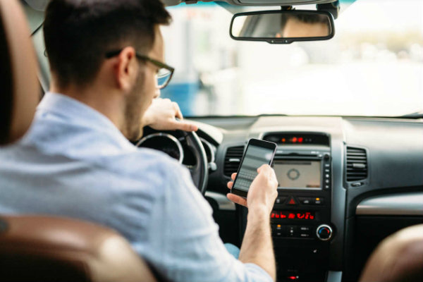 using phone while driving (3)